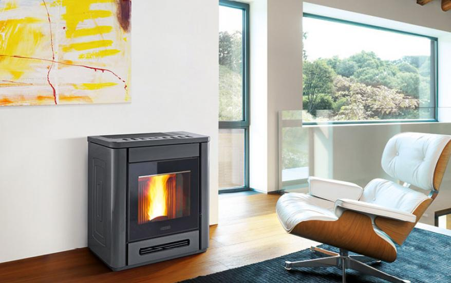 Pellet Stove P944 in Majolica, Wall - Flush-with-the-Corner A+ ...